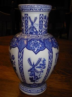 č.725 porcelánová váza DELFT