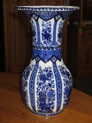 č.532 porcelánová váza DELFTS