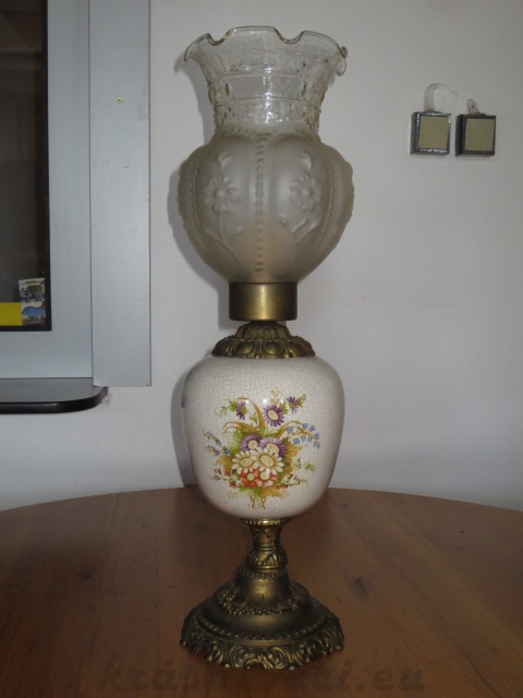 č.123 lampa stolní