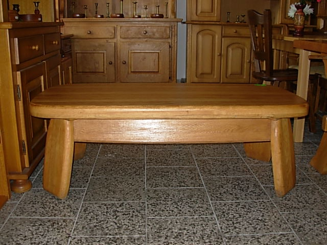 č.624 konferenční stůl 139x68 cm
