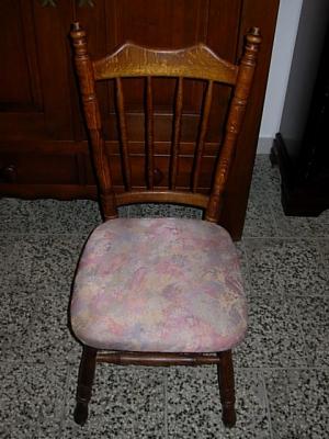 č.743 židle čalouněná