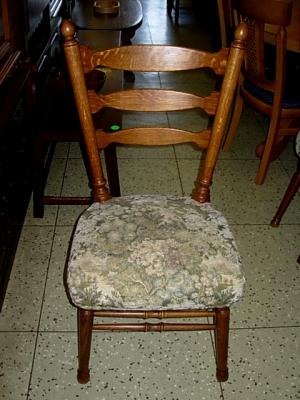 č.970 židle čalouněná