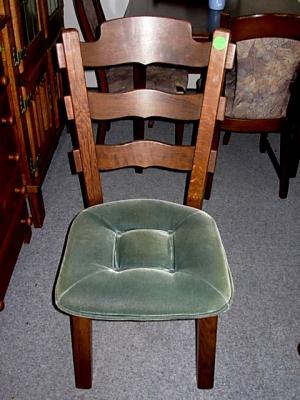 č.528 židle čalouněná