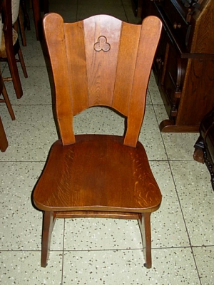 č.831 židle masiv dub