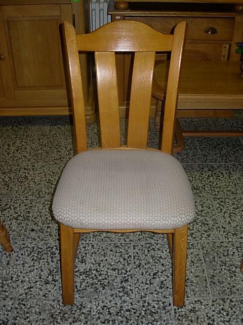 č.192 židle čalouněná