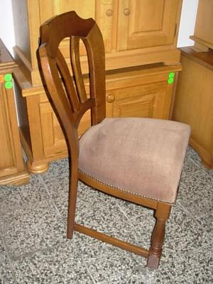 č.63 židle čalouněná