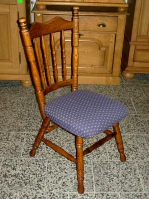 č.556 židle čalouněná