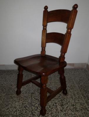 č.1832 židle masiv dub