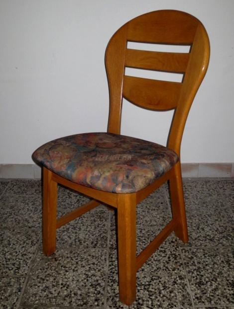 č.1822 židle čalouněná