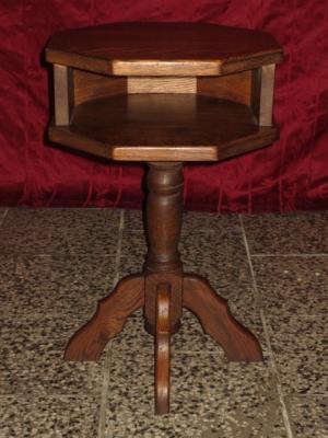 č.1316 stolík dřevěný
