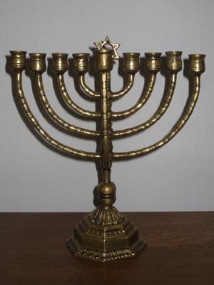 č.1408 židovský svícen mosazný
