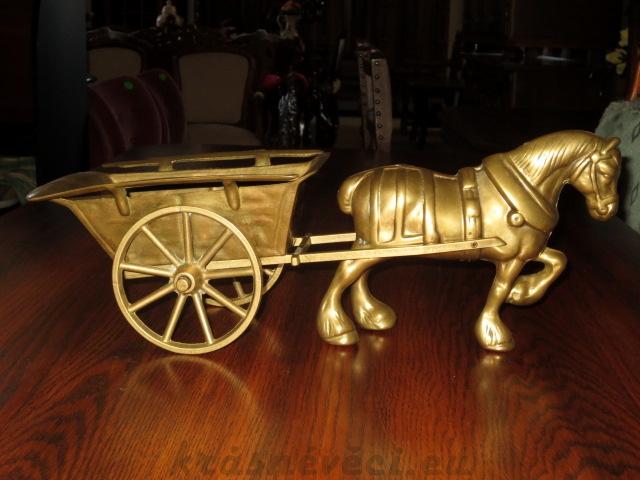 č.89 kůň s vozíkem mosazný