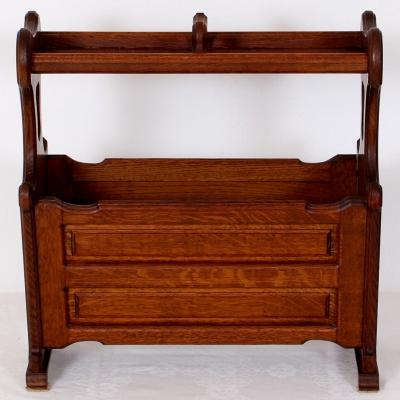 č.1200 stojan novinový dřevěný