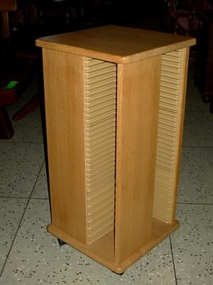 č.227 stojan na CD masiv dub
