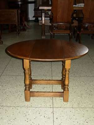 č.1572 stolík rozkládací 69x57 cm