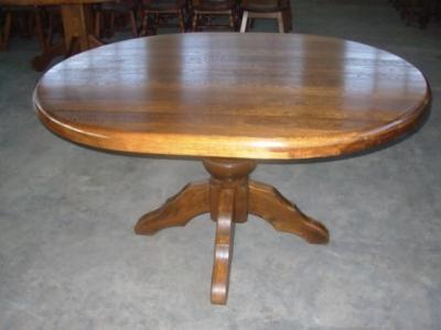 č.2592 kuchyňský stůl oválný 149x117 cm