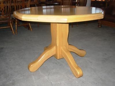 č.2601 kuchyňský stůl osmihran 111x111 cm